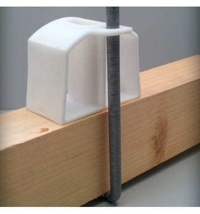Pontet PE h :51 pour GO ventilé ignifugé à oeillet pour fixation avec crochet (par 50)